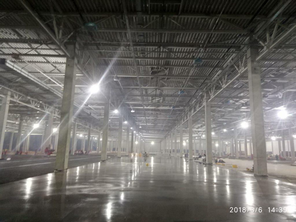 бетонный пол, упрочнённый по технологии ТОППИНГ на производстве
